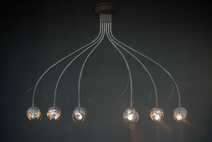 Emery cie lights hang chandeliers models bouquet plat definition