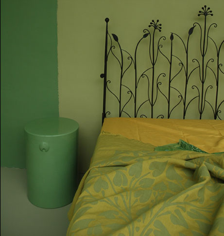 Furniture from Emery & Cie :  bed bedspread green wrought iron