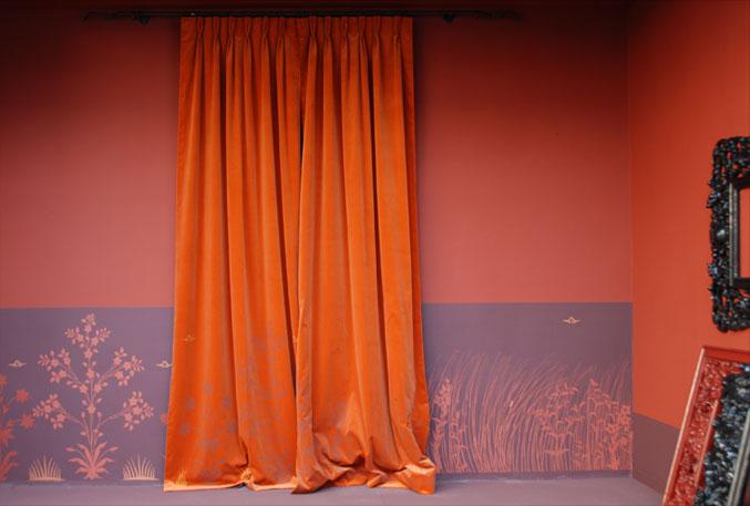 emery cie tissus faconnes rideaux classiques exemples velours orange cuite. Black Bedroom Furniture Sets. Home Design Ideas